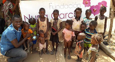 The children that suffer from severe malnutrition will be treated in the clinic with their mother.
